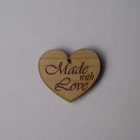 Knopf, Holzknopf Herz mit Aufschrift `Made with Love` 20mm