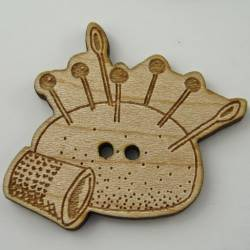 Knopf, Holzknopf Nadelkissen mit Fingerhut gross