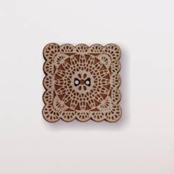 Knopf, Holzknopf Quadrat mit Spitze klein