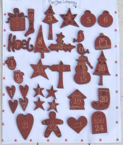 Adventskalender `Freude im Advent` 24 Zahlen aus Holz burgundy
