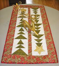 Nähanleitung *Tall Trees Christmas Table Runner* von Cut Loose Press in Englisch