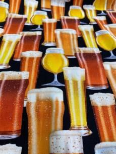 Patchworkstoff Quilt Stoff *Oktoberfest* Biergläser Reststück Bier Pils Rest ca. 45 x 110 cm