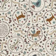 Patchworkstoff Lecien *One Stitch at a time* mit Nähthemen und Tieren in Kreisen auf beigem Hintergrund