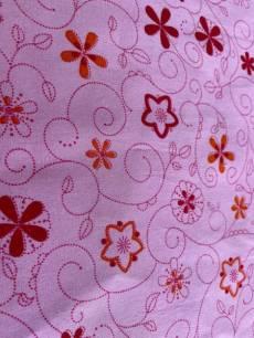 Patchworkstoff in Überbreite(1,40 m) *Maja* Blumen mit Wirbeln auf Rosa