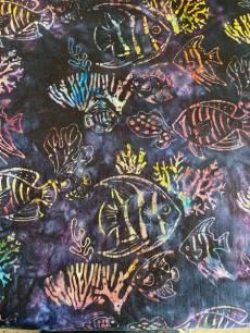 Batikstoff  Blau/Lila mit Fischen und Korallen