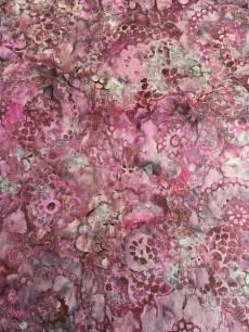 Batikstoff  Hoffman Fabrics; Lila mit Blumenmuster