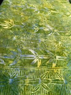 Batikstoff Streifenmuster in grün mit Blumen