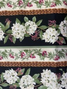 Patchworkstoff; *Laurel* Streifenstoff mit Blumenzweigen