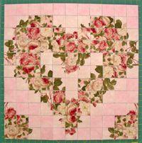 Materialpackung mit Nähanleitung für ein Watercolor Herz rosa beige Rosen Pfingstrosen auf zartrosa vorbereitet zum Nähen