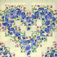 Materialpackung mit Nähanleitung für ein Watercolor Herz blaue Rosen auf gelb vorbereitet zum Nähen