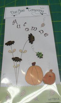 Knopf, Holzknopf TB1A - 3 Blumen, 1 Blatt, 1 Kürbis Pumpkin