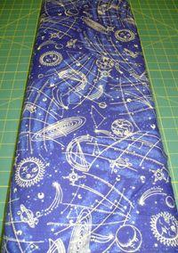 Patchworkstoff Stoff Quilt Weltraum mit gold Glitzer, Fabric Traditions